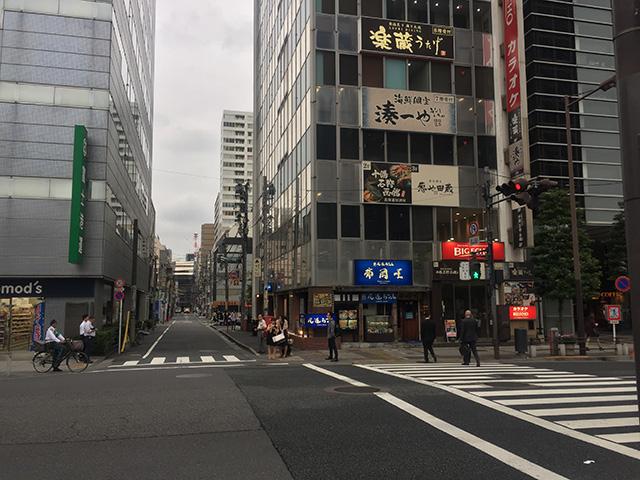 浜松町駅前